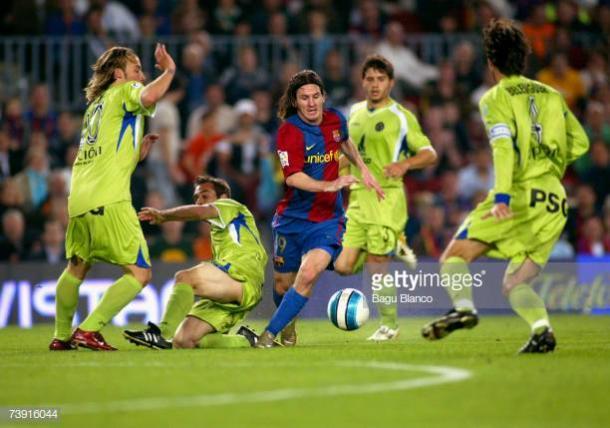 Leo Messi en uno de los mejores goles que se recuerdan en la historia   Fuente: gettyimages