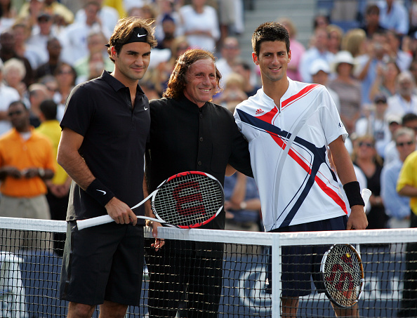 Vilas with Roger Federer and Novak Djokovic ahead of the 2007 US Open final (Image: Popperfoto)