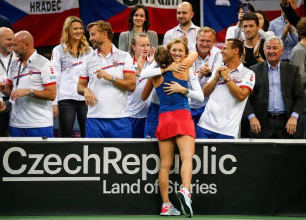 Barbora Strycova and Petra Kvitova share a warm hug after the match | Photo: Srdjan Stevanovic / Getty