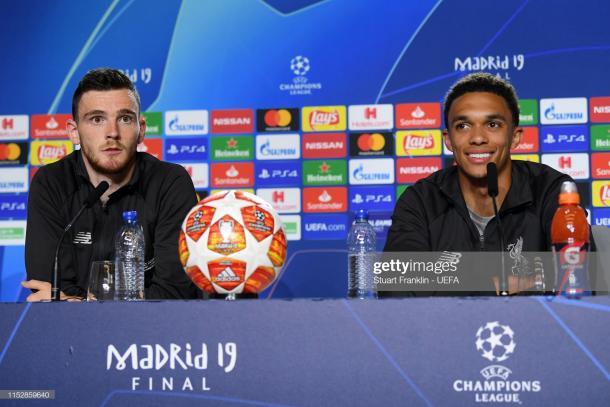 Robertson y Arnold compadecen ante los medios / Foto: Getty Images