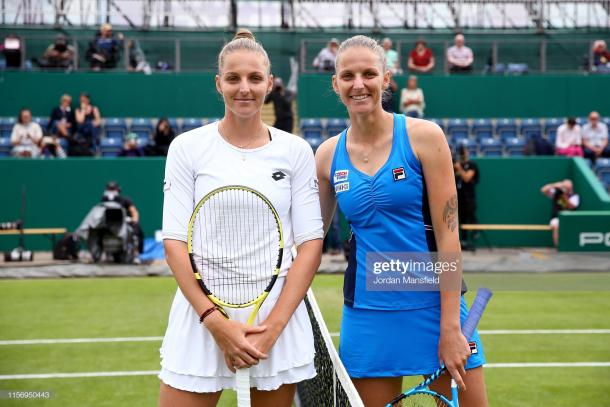 Kristyna (l.) and Karolina (r.) Pliskova engaged in a historic match in Birmingham on Wednesday/Photo: Jordan Mansfield/Getty Images
