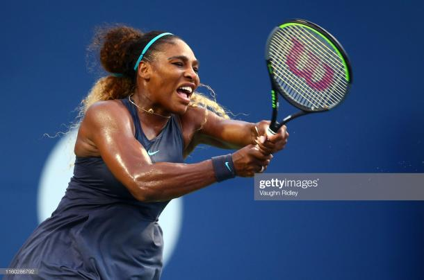 Williams plays a backhand during her second round win in Toronto/Photo: Vaughn Ridley/Getty Images