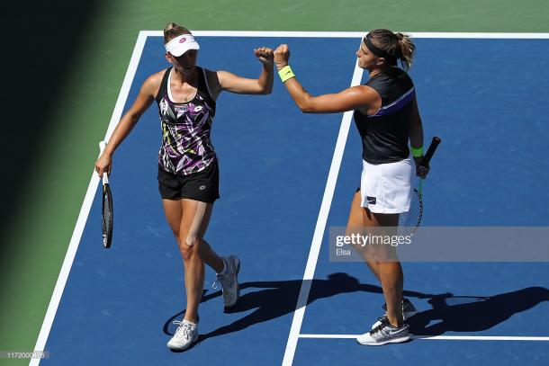 Mertens and Sabalenka have developed a strong partnership on the court | Photo: Elsa/Getty Images