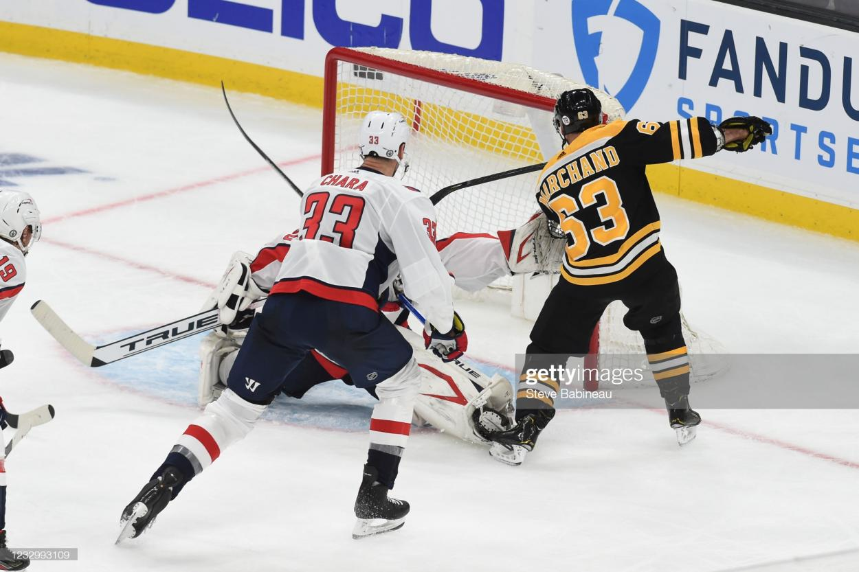 Brad Marchand scores the game-tying goal in the third period/Photo: Steve Babineau/Getty Images
