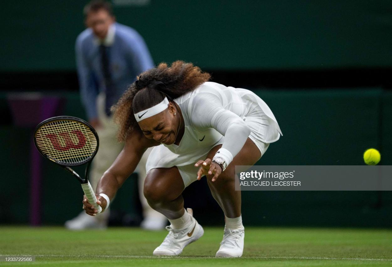 The moment that forced Serena out of the tournament/Photo: AELTC/Jed Leicester/Pool/AFP via Getty Images