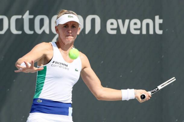 Teichmann hits a forehand during her match in Lexington/Photo: Dylan Buell/Getty Images