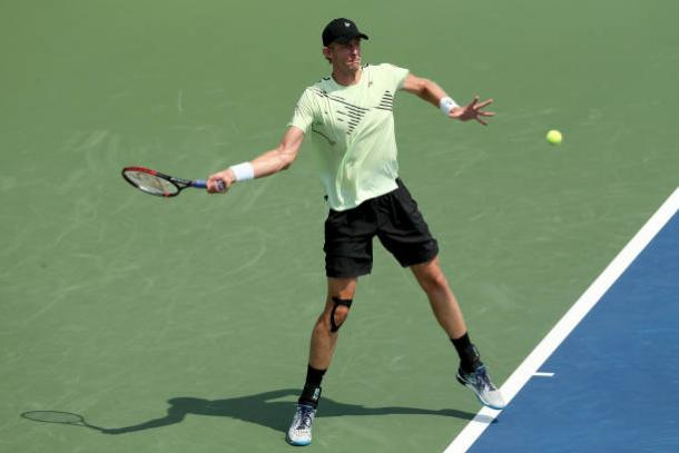 Anderson hits a forehand during his first-round match at the Western and Southern Open/Photo: Matthew Stockman/Getty Images