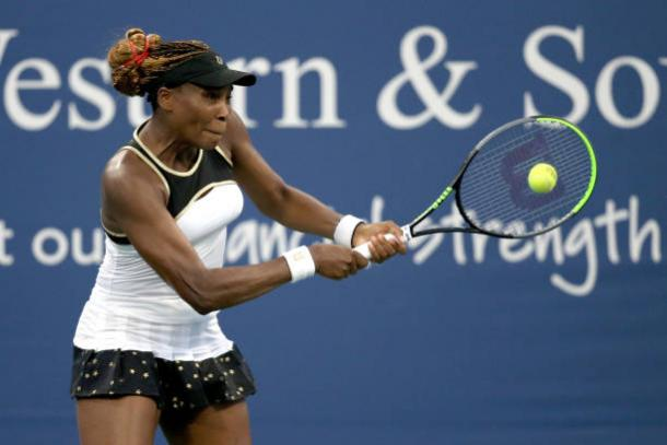 William's hits a backhand during her match at the Western and Southern Open/Photo: Matthew Stockman/Getty Images