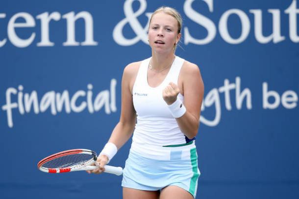Kontaveit reacts after beating Kasatkina/Photo: Matthew Stockman/Getty Images