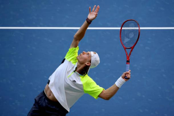 Shapovalov won 10 of the final 13 games of the match/Photo: Al Bello/Getty Images