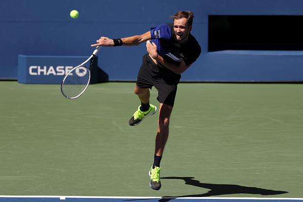 Medvedev in fourth round action (Image: Al Bello)