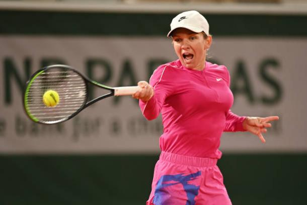 Halep cruised through after trailing 4-2 in the first set/Photo: Shaun Botterill/Getty Images