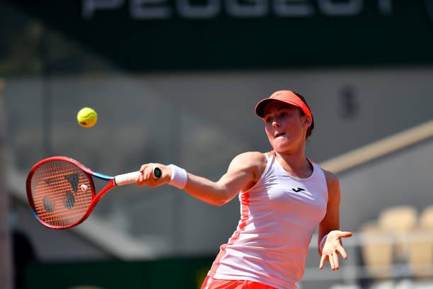 Zidansek hits a forehand during her quarterfinal victory/Photo: Aurelien Meunier/Getty Images