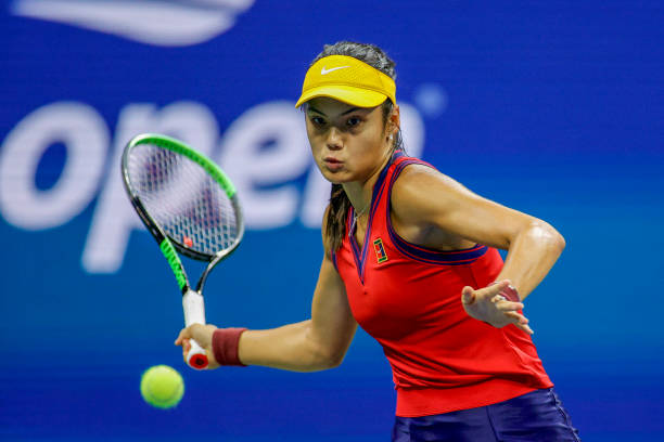 The Raducanu forehand is a key shot for her that can produce many winners/Photo: Sarah Stier/Getty Images