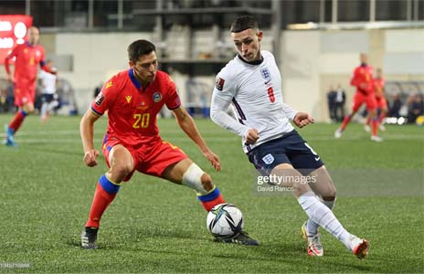 ANDORRA LA VELLA, ANDORRA - OCTOBER 09: Phil Foden of England is put under pressure by Max Llovera of Andorra during the 2022 FIFA World Cup Qualifier match between Andorra and England at Estadi Nacional on October 09, 2021 in Andorra la Vella, Andorra. (Photo by David Ramos/Getty Images)