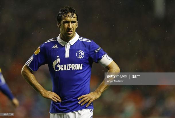 Raúl González con el Schalke 04 en Europa League   Fuente: Getty