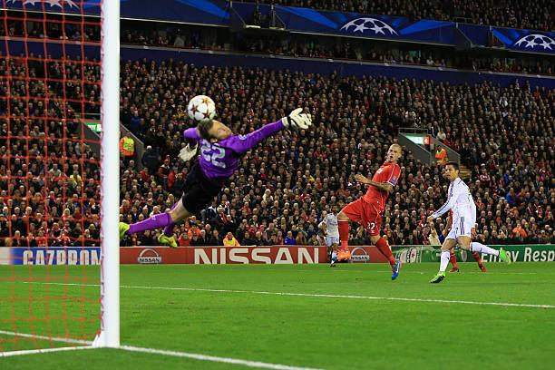 Mignolet no llegó a despejar el gol de Cristiano / Foto: Gettyimages