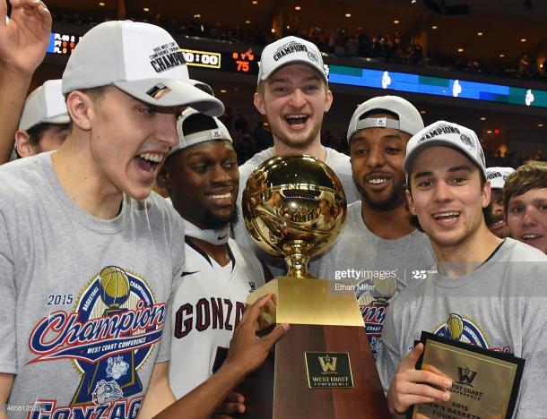Los Zags levantan el trofeo de campeón de la WCC | Foto: Getty Images