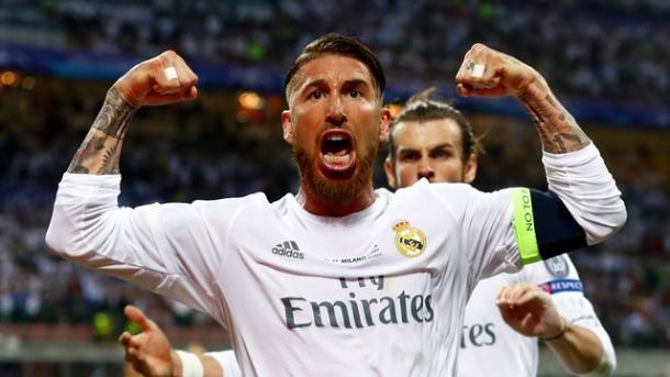 Sergio Ramos comemora seu gol na final contra o Atlético outra vez (Foto: Getty Images)
