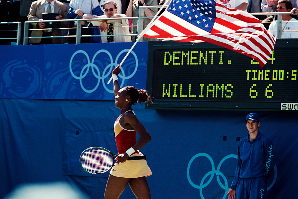 Venus Williams celebrates winning the singles title in Sydney (Image: Langevin Jacques)