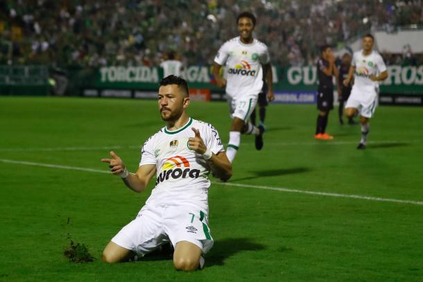 Chapecoense suma una victoria y una derrota en la Copa Libertadores. | Foto: Getty