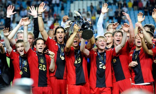 Germania campione nel 2009 dopo il 4-0 agli inglesi. | Fonte immagine: The Sun.