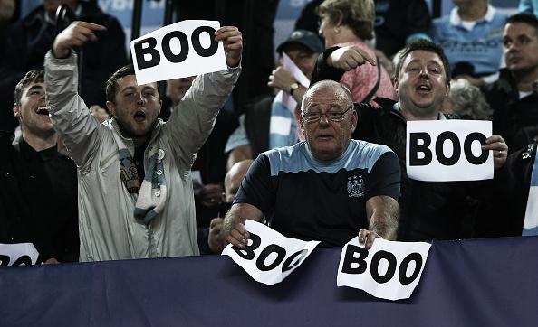 Vaias ao hino da Champions são comuns no Etihad Stadium, casa do Manchester City (Foto: Ian Walton/Getty Images)