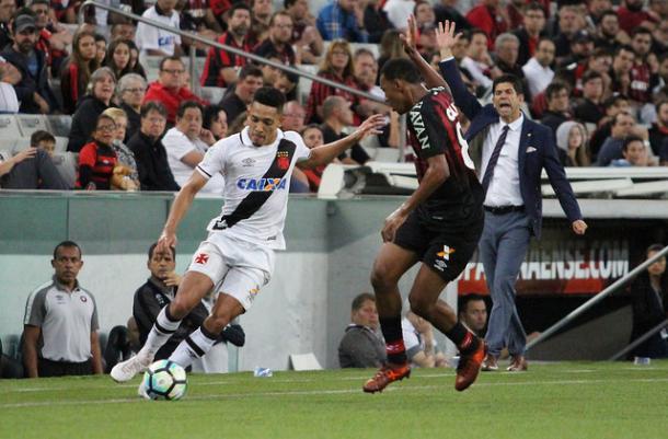 Gilberto passou boa parte da temporada como titular na lateral-direita vascaína (Foto: Carlos Gregório Jr/Vasco.com.br)