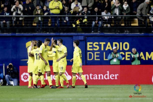 Jogadores comemoram gol de Bakambu | Foto: Divulgação/La Liga