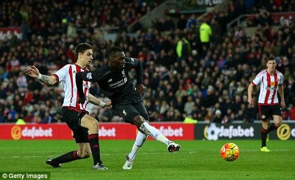 Benteke tucks away the second goal (photo: Getty Images)