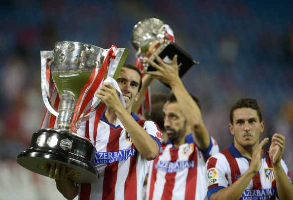 Diego Godin lifts the La Liga trophy in 2014 | Photo: Dani Pozo/Getty Images