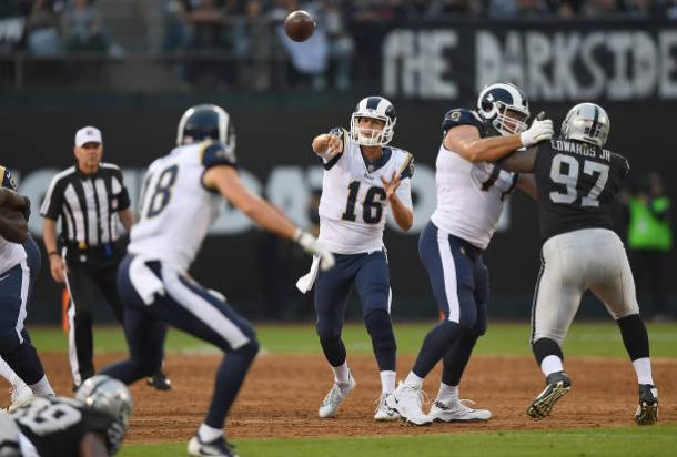 Jared Goff showing signs of improvement. | Photo: Getty Images