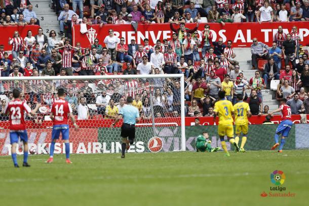 Carmona salvó al Sporting ante Las Palmas // Imagen: LaLiga