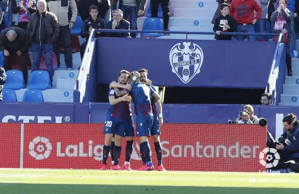 Celebración del gol de Roger | Foto: La Liga