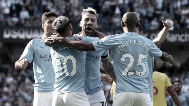 Otamendi sorprende a la defensa y marca el 5-0./ Foto: Premier League