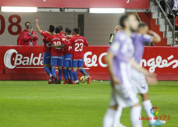 Stefan Scepovic abrió el marcador antes del minuto cinco de juego // Imagen: LaLiga 123