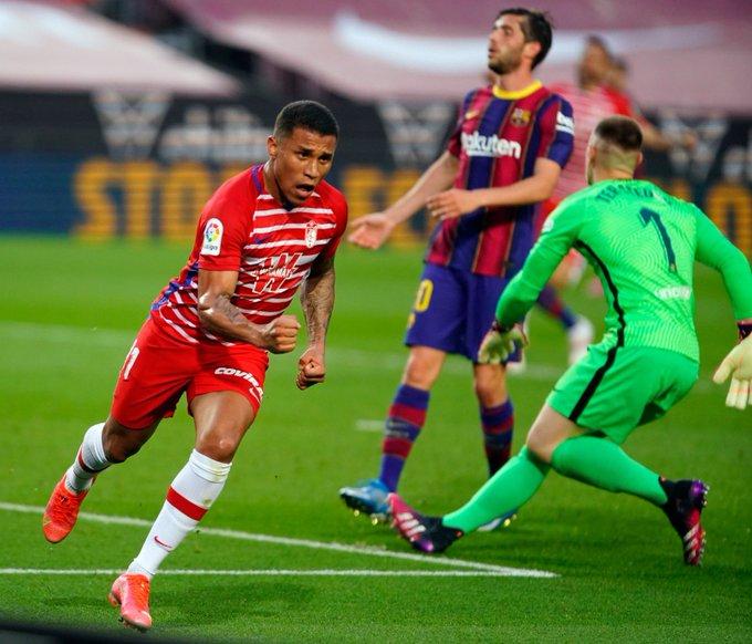Machís celebra su gol en el Camp Nou   Foto: Granada CF