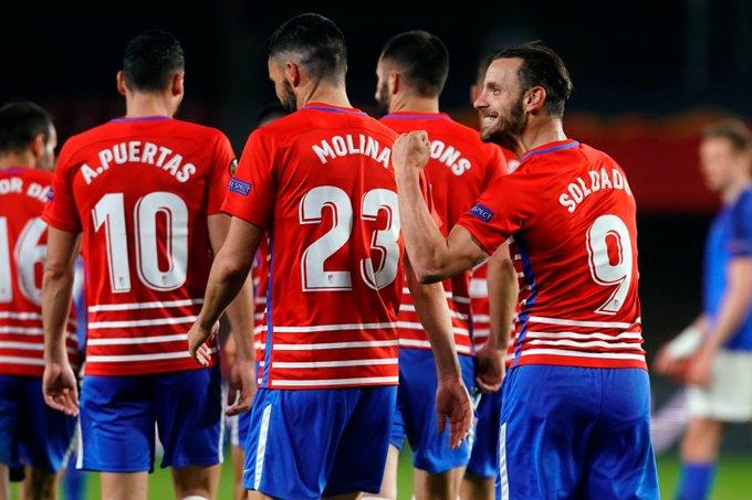 Soldado celebra su gol, el segundo del Granada al Molde   Foto: Pepe Villoslada / GCF