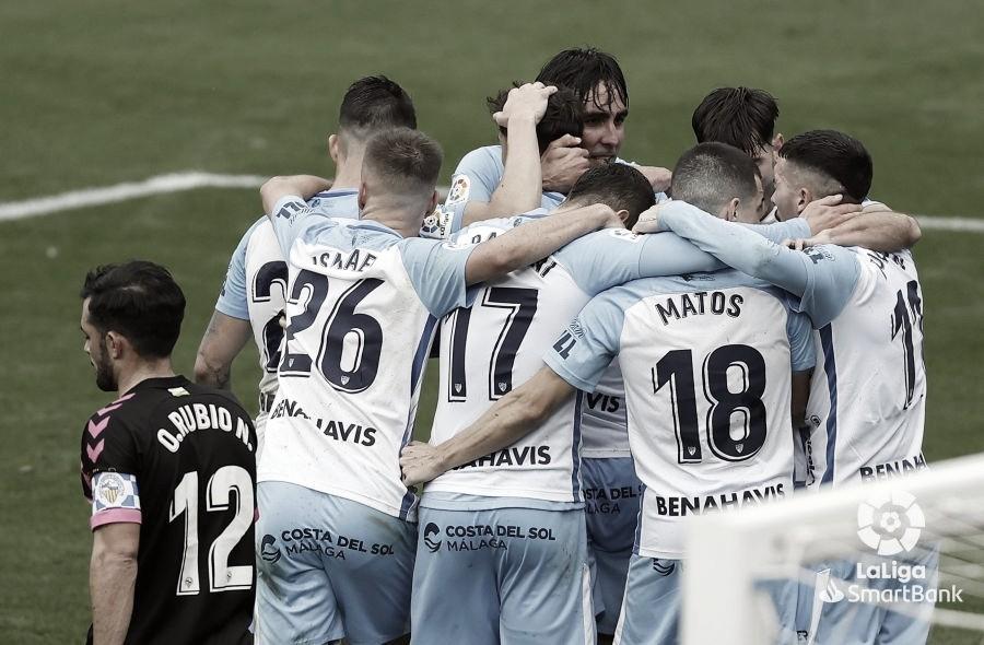 El Málaga CF celebrando uno de los goles conseguidos en la jornada 28 en La Rosaleda. / Foto: LaLiga
