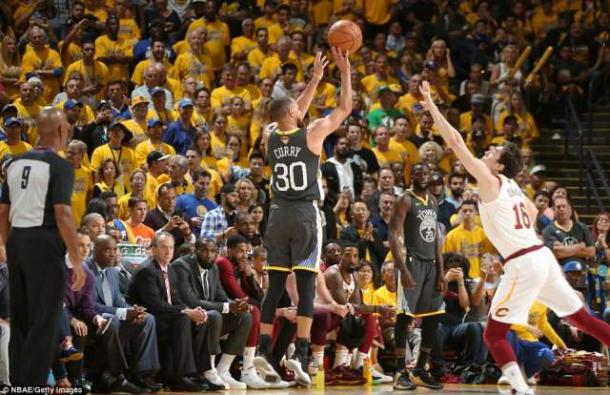 Curry had a historic night from beyond the arc/Photo: Getty Images