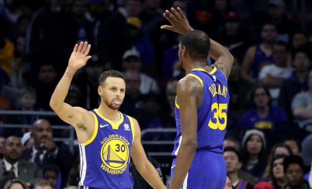 Stephen Curry e Kevin Durant sofreram com lesões durante a temporada (Foto: Getty Images)