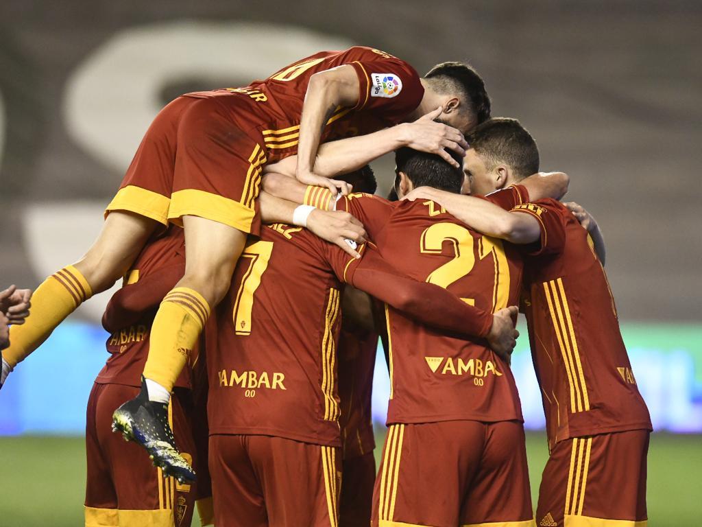 El Real Zaragoza celebrando uno de los dos tantos. | Fuente: @RealZaragoza