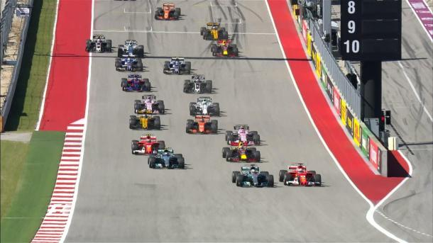 Domina Hamilton. Vettel (terzo) gira poco