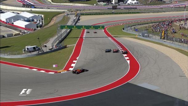 Vettel supera Bottas e il doppiato Vandoorne   twitter