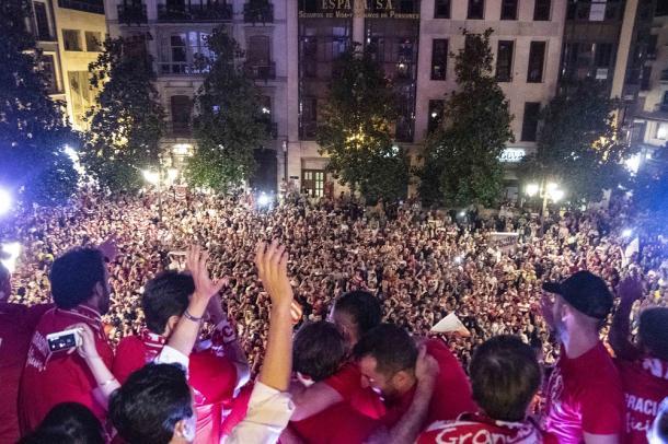 Celebración del ascenso del Granada CF  | Foto: David López Córdoba