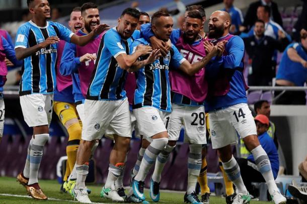 Everton comemora o gol de classificação gremista (Foto: Getty Images)