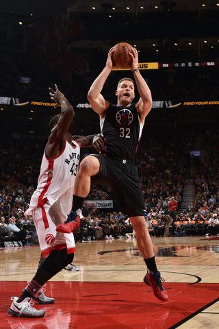 Blake Griffin notches triple-double in loss to Toronto Raptors.   Photo: