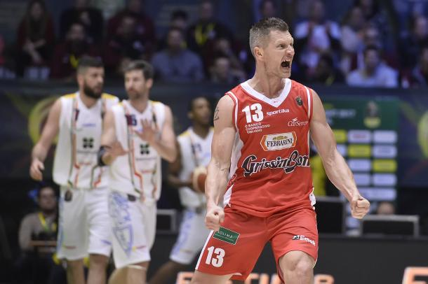 La grinta di Kaukenas, ancora decisivo nel quarto con Capo.   Fonte immagine: ufficio stampa Lega Basket