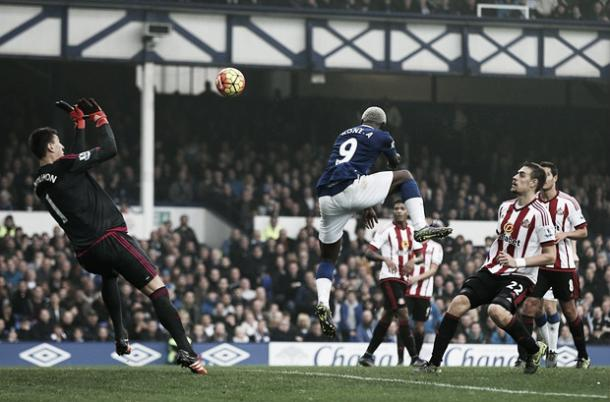 Arouna Kone netted a hat-trick in the 6-2 rout, and Sunderland will be looking for payback this time around. (Photo: Guardian)