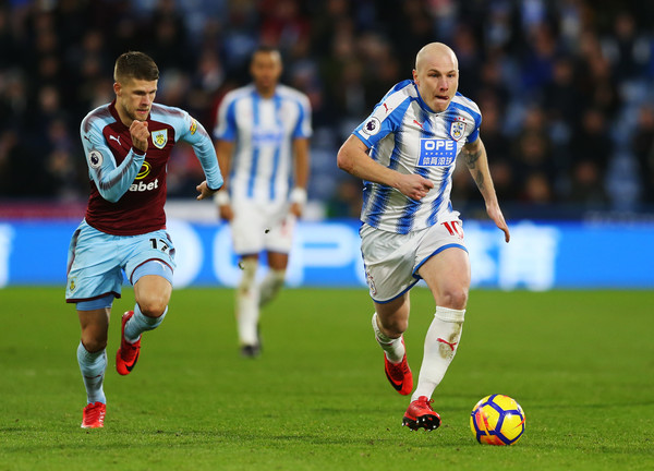 Mooy y Gudmunsson. Foto: Getty Images